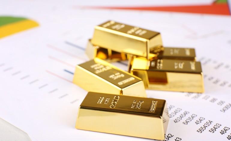 سعر الذهب يتجاوز 1900 دولار للأوقية