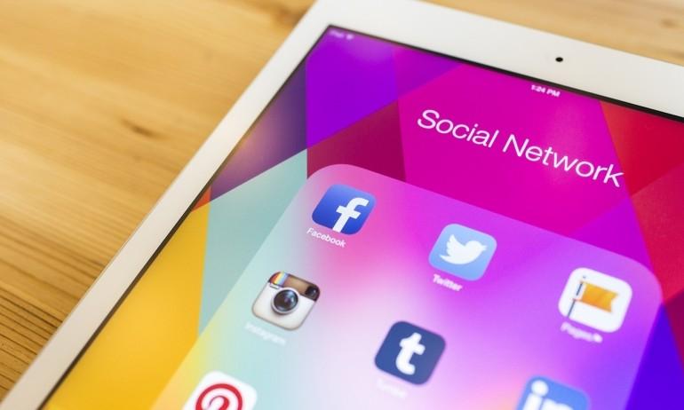 4 نصائح لتتميز بحضورك على وسائل التواصل الاجتماعية على الموبايل