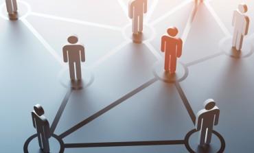 4 طرق لبناء شبكة مهنية بشكل أفضل