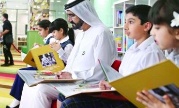 """دعماً  لمبادرة الشيخ محمد بن راشد """"كتاب كافيه"""" يبتكر طاولات وقفية للقراءة"""