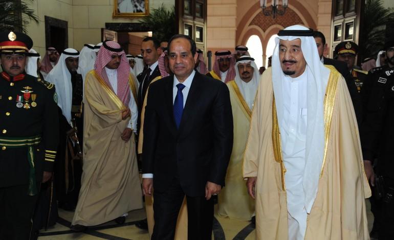 الملك سلمان يعلن إنشاء جسر بري بين السعودية ومصر
