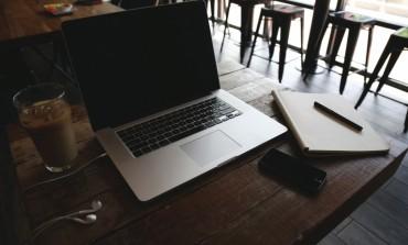 8 عناصر يجب أن تكون على مكتب عملك