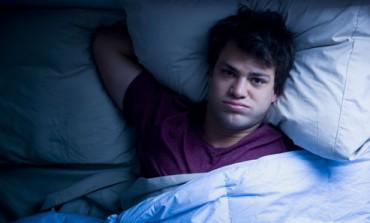 عليك أن تغير ثلاثة عادات قبل النوم