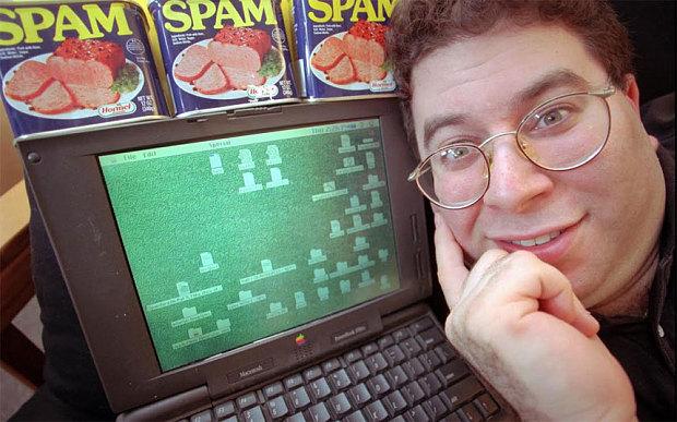 """ملك الـ""""سبام""""  تصطاده المحكمة لإزعاجه مستخدمي فيسبوك"""