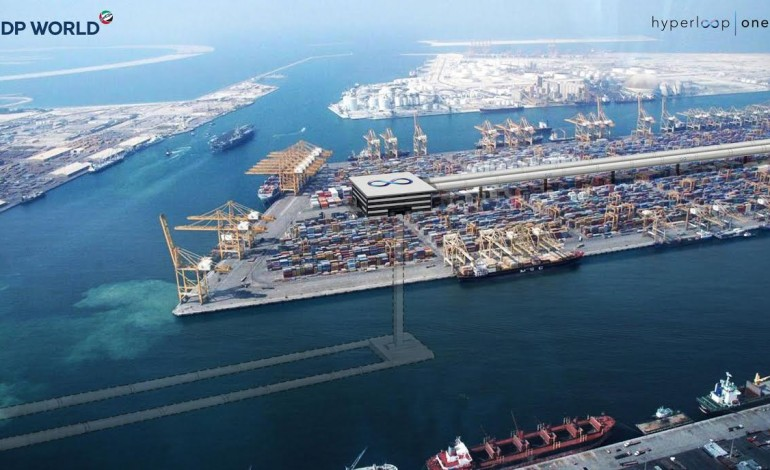 موانيء دبي تشحن حاوياتها إلى الفجيرة ب10 دقائق