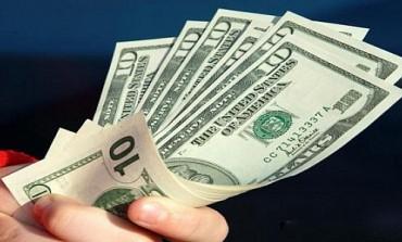 الدولار يتربع على العرش قبيل تقرير الوظائف