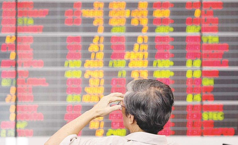 تصاعد التوترات السياسية تدفع المستثمرين إلى الملاذات الآمنة
