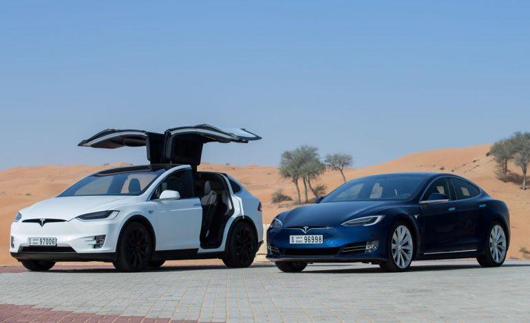 """تسلا تنطلق في الإمارات بسيارتي """"موديل أس"""" وموديل إكس"""