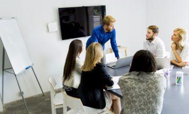 عندما تكون رائد أعمال سينظرون إلى أفكارك وكأنها من عالم آخر