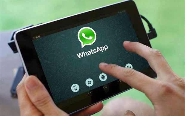 (واتس آب) يقرر وقف حسابات من يرفضون مشاركة بياناتهم الخاصة مع فيسبوك