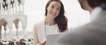 حاول أن تترك انطباعاً مؤثراً في كل لقاء أول مع عملاءك