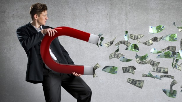 ثروات الأثرياء تقفز إلى 220 تريليون دولار بحلول 2021