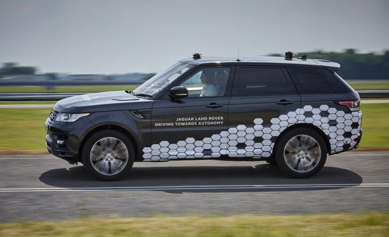 """قريباً.. """"جاكوار لاند روفر"""" تنتج سيارات ذاتية القيادة تماماً في المدن"""