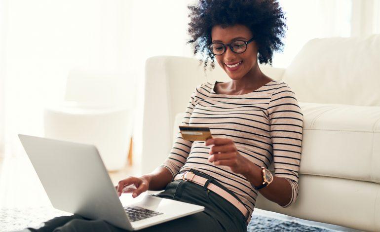 5 نصائح للتسوق الإلكتروني في مواسم الأعياد
