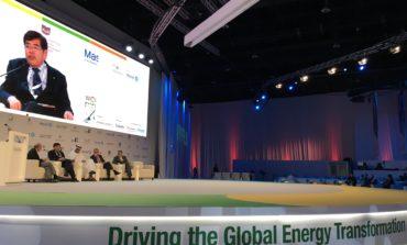 تويوتا ولكزس في مهمة لقيادة التنقل خالي الكربون