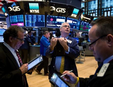 اللاعبون يعودون إلى أسواق الأسهم بفضل بيانات الوظائف الأميركية