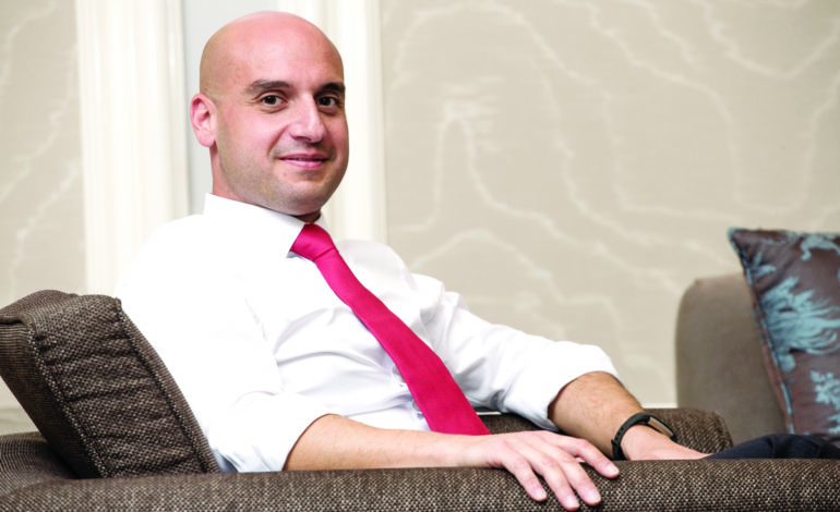 رضا الشعار، رائد أعمال لبنانييدير مشاريع طاقة متجددة بقيمة تزيد على مليار دولار