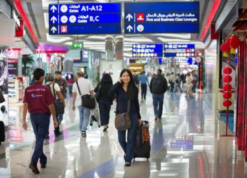 مطارات دبي تستعيض عن منصات موظفي الجوازات بحلول العام 2030