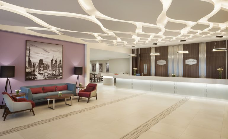 """""""هيلتون"""" و""""مجموعة وصل لإدارة الأصول"""" تطلقان فندق """"هامبتون باي هيلتون"""" في الإمارات"""