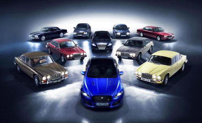 """""""جاكوار"""" تسيّر موكباً فريداً لجميع أجيال الطراز XJ نحو معرض  باريس للسيارات"""