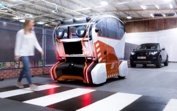 """""""جاكوار لاند روڤر"""" تزود وحدات التنقل ذاتية القيادة بـ 'عيون افتراضية'"""
