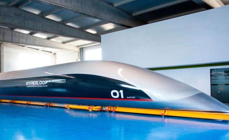 """كوينتيرو وان"""" أول كبسولة هايبرلوب لنقل الركاب في العالم"""