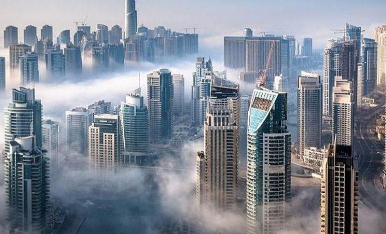 الإمارات الأولى عربياً في تكافؤ الأجور والصحة والفرص بين الجنسين