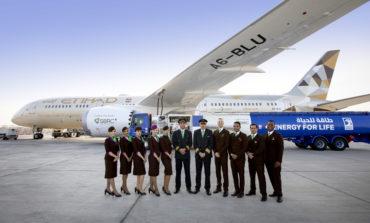الاتحاد للطيران تسيّر أول رحلة في العالم تستخدم وقود مستدام مصنوع في الإمارات