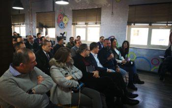 منصة أمنية للريادة تجمع 11 شركة ناشئة بأربع مستثمرين في عمان