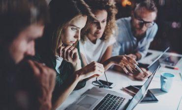 كيف تقود فريقك بنجاح إذا لم تكن موظفًا قط من قبل