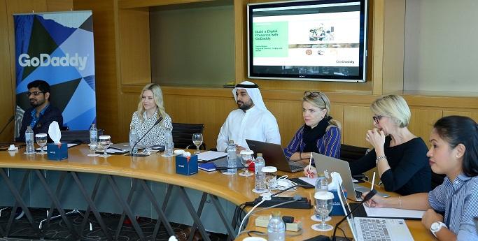 """""""دبي للمشاريع الناشئة"""" تستعرض أهمية المنصات الإلكترونية للمشاريع الصغيرة"""