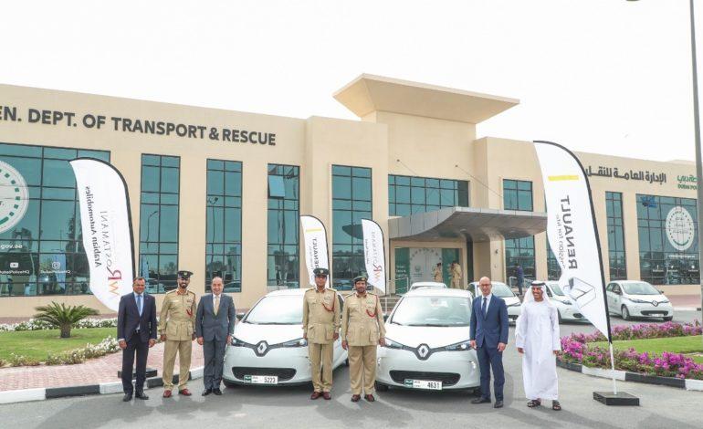 """شرطة دبي تتبنى رؤية خضراء بإضافة 13 سيارة """"رينو زوي"""" لأسطولها"""