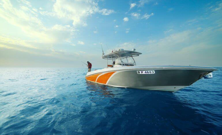 أدنيك تعلن السويدي البحرية الراعي الذهبي الرسمي لمعرض أبوظبي الدولي للقوارب 2019