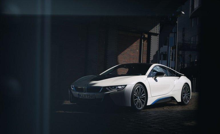 BMW تصنع أفضل المحركات الهجينة وتحرز جائزة أفضل محرك في العالم