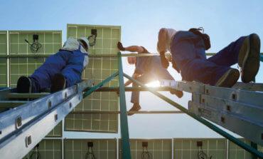 الطاقة المتجددة توفر 11 مليون فرصة عمل حول العالم في عام 2018
