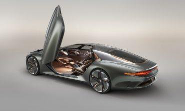 Bentley تعيد تصوّر مستقبل السيارات الفاخرة عالية الأداء عبر طرازها الاستثنائي BENTLEY EXP 100 GT