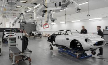 أستون مارتن تعيد تطوير سيارة دي بي 4 جي تي زاغاتو الإسطورية