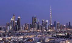 دبي للسياحة تناقش مع شركائها ترتيبات العودة التدريجية لنشاط قطاعي الضيافة والسفر