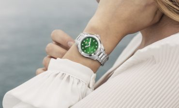 تصميمان جديدان يتميزان باللون الأخضر الزمردي ينضمان إلى مجموعة تاغ هوير أكواريسر