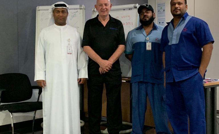 """ورشة حكومة دبي"""" تدعم كوادرها الفنية في فحص وتشخيص مركبات تويوتا الهجينة"""
