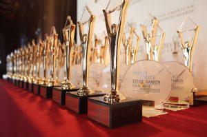 جوائز الأعمال الدولية تحتفي بالفائزين وتكرم 16 شركة إماراتية بجوائز ستيفي