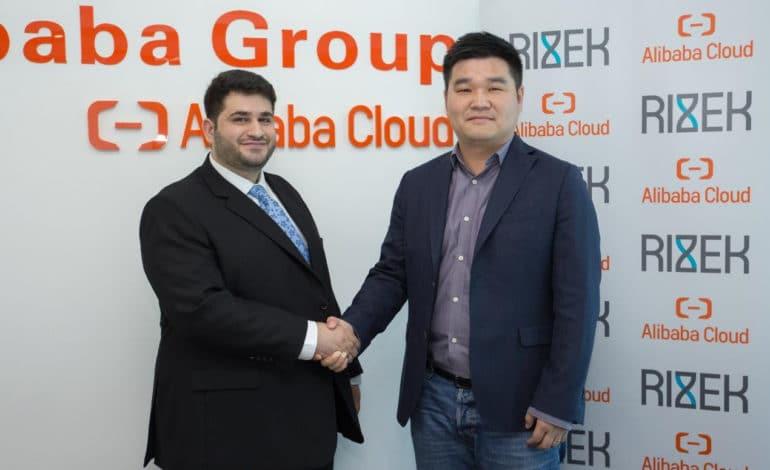 """""""رزق"""" أكبر تطبيق للأعمال يوقع عقد الشراكة الأول من نوعه في المنطقة مع علي بابا كلاود"""