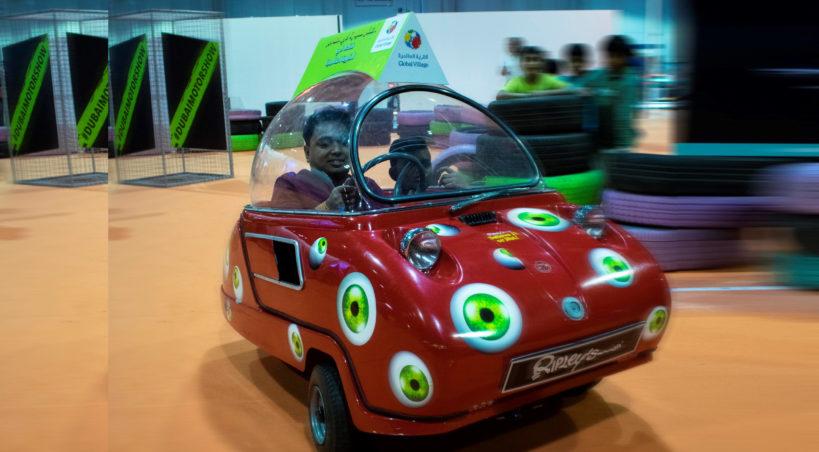 متحف ريبليز يستعرض أصغر سيارة على مستوى العالم في معرض دبي للسيارات 2019