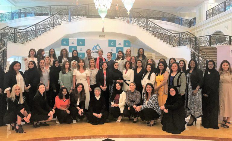 سيدات أعمال إماراتيات يجتمعن لتبادل قصص نجاحهن