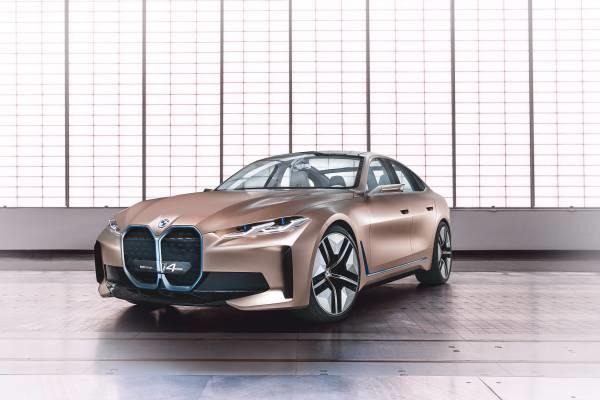 سيارة BMW Concept i4 تصميم مستقبلي ومزايا متطورة