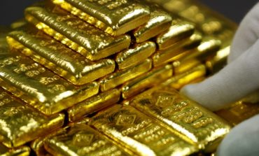 صعود الذهب وتراجع الدولار وترقب لقرار المركزي الأمريكي