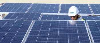 تحوّل 500 فيلا في دبي للعمل بالطاقة الشمسية خلال 45 يومًا فقط