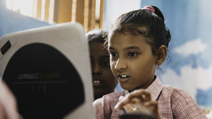 إريكسون تطلق برنامج مخصص لتعزيز قدرات التعلم الرقمي لدى الطلاب حول العالم
