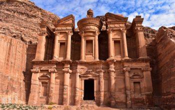 الأردن تتسلم الدفعة الأولى من المنحة الأمريكية للعام الحالي بقيمة 600 مليون دولار