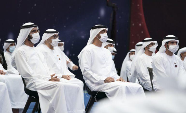 محمد بن راشد ومحمد بن زايد يكرمان فريق مشروع الإمارات لاستكشاف المريخ